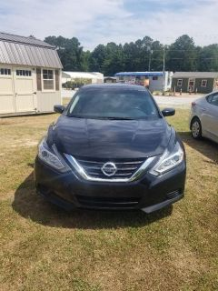 2017 Nissan Altima Base (Black)