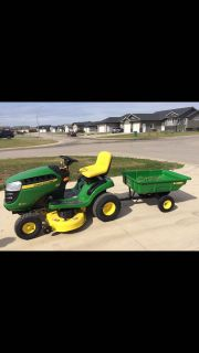 2017 riding mower and trailer! Like new