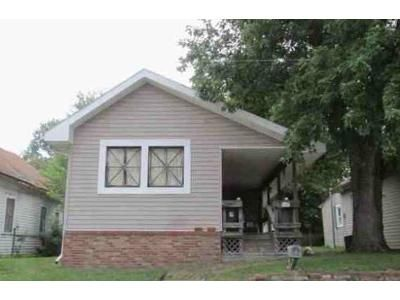 2 Bed 1 Bath Foreclosure Property in Martinsville, IN 46151 - E Walnut St