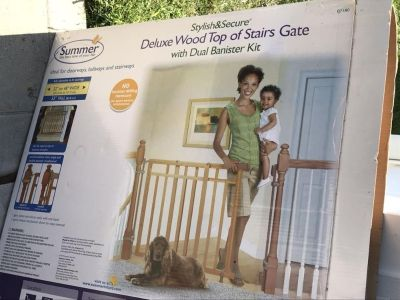 New in box - Summer Infant Deluxe Wood Top of Stairs Gate