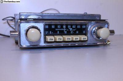 Ivory Knob 6V Sapphire II AM/FM Rebuilt