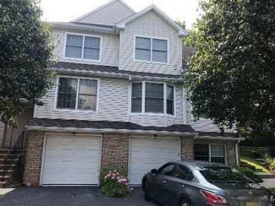 2 Bed 2 Bath Preforeclosure Property in Ridgefield, NJ 07657 - Grand Ridge Dr