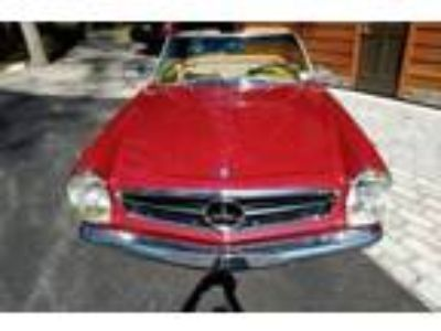 1965 Mercedes-Benz 230SL Pagoda Hard Top