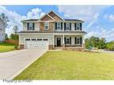 The sought after Ashley Floor Plan Large Gre...