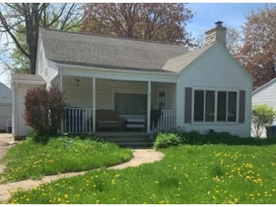 3 Bed 1 Bath Foreclosure Property in De Pere, WI 54115 - Chicago St