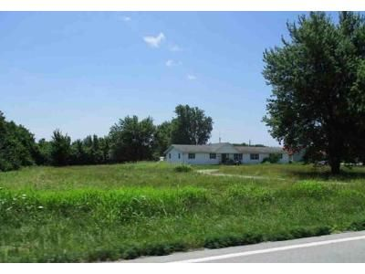 3 Bed 2 Bath Foreclosure Property in Webb City, MO 64870 - State Highway 96
