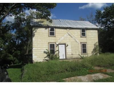 2 Bed 1 Bath Foreclosure Property in Bland, MO 65014 - High St