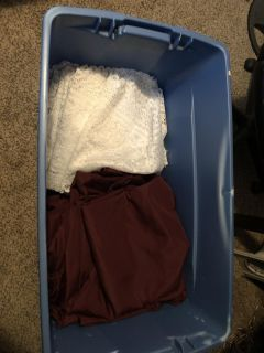 Round table clothes and runners