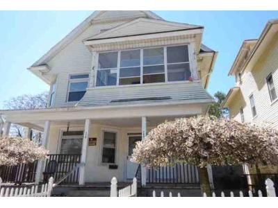 6 Bed 3 Bath Foreclosure Property in Springfield, MA 01108 - White St