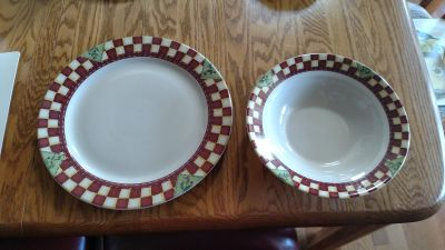 Thomson Pottery serving dishes