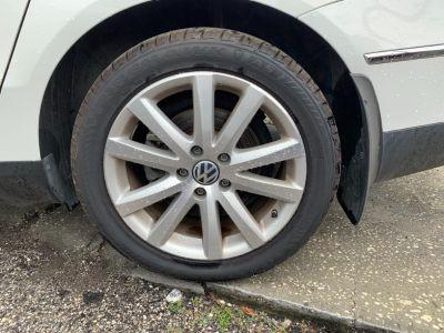2010 Volkswagen Passat Komfort (White)