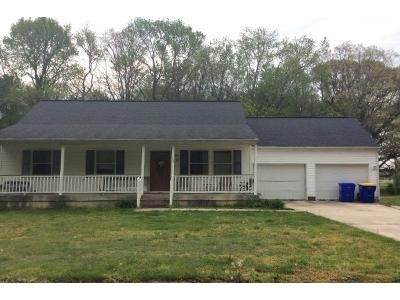 3 Bed 2 Bath Preforeclosure Property in Harrington, DE 19952 - Second Ave