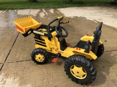 Caterpeg Pedal Tractor