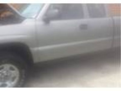 2002 GMC Sierra SUV in Two Rivers, WI