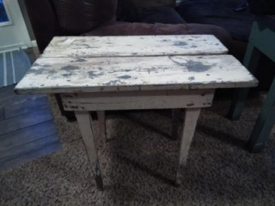 White chippy table