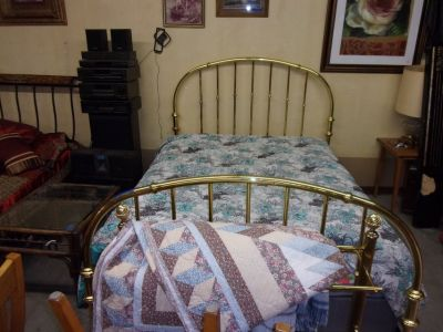 Queen Size Brass Bed Set