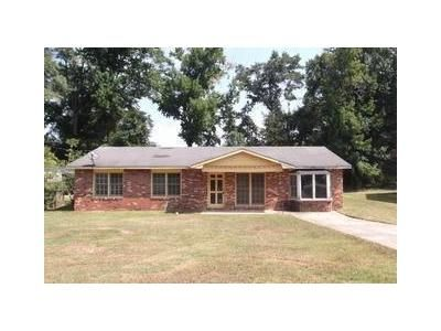 3 Bed 2 Bath Foreclosure Property in Phenix City, AL 36869 - Epworth St