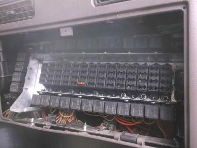 Find 653 International 9900 fuse box for truck with cat engine motorcycle in Batesville, Arkansas, US, for US $100.00