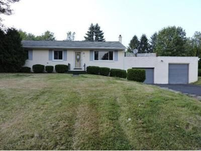 3 Bed 1 Bath Foreclosure Property in Dalton, PA 18414 - Sunset Dr