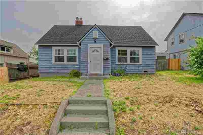 3591 E Spokane St Tacoma, This Three BR classic with tons