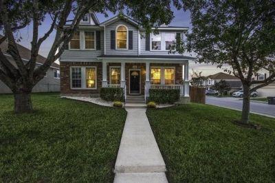 $2800 4 single-family home in NW San Antonio