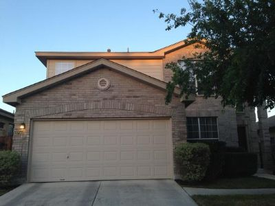 $800, 3br, Single Family Home 3 Bedrooms 2 Full Bathrooms