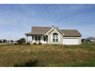 2 Bath Preforeclosure Property in Fayetteville, TN 37334 - Fox Wood Dr