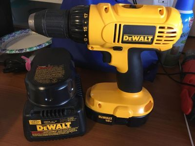 DeWalt 18v Drill with charger