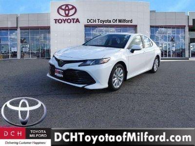 2019 Toyota Camry (Super White)