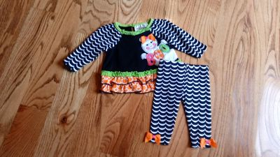 Rare Editions Halloween outfit. Excellent, like new condition. Size 3-6M