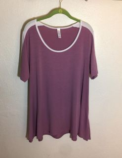 Lularoe Perfect T..Pre-Owned in EUC..Size Large .. Solid Mauve And Sleeves lined in White