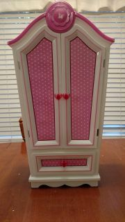 One Generation Doll Armoire, Clothes and Accessories