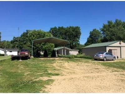 3 Bed 2 Bath Foreclosure Property in Dixon, IL 61021 - S Rock Nation Rd