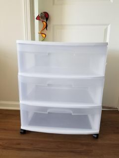 White 3 drawers with wheels