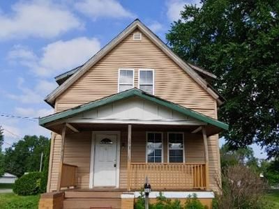 4 Bed 2 Bath Foreclosure Property in Galesburg, IL 61401 - Lincoln St