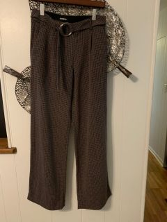 Express wide led mid rise pants- size 4R
