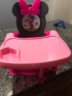 Minnie Mouse booster seat