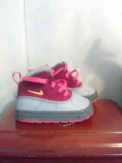 Size 5c toddler girl Nike boots
