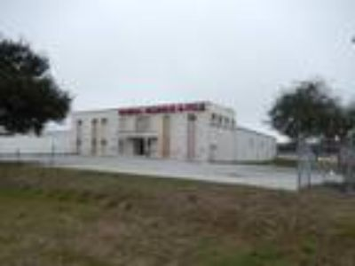 Sarasota, 4000 SF Available at $7 PSF Annual Lease.