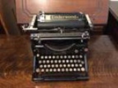 Antique Underwood Typewriter model (Denver CO)