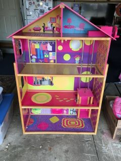 Barbie House - Wood Full Size