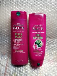 1 Set of Fructis shampoo and conditioner