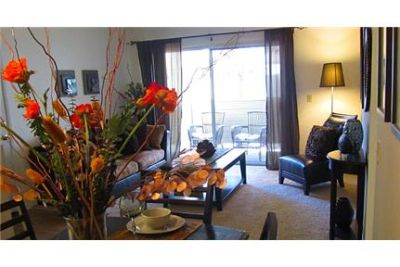 2 bedrooms Apartment - Welcome Home in the beautiful city of. Carport parking!