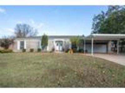 $198000 Four BR 3.00 BA, Fort Smith