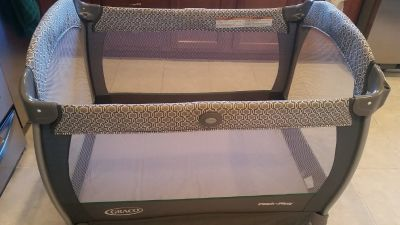 Graco pack n play nearby napper - Portable, With Changing Station, With Bassinet, Freestanding