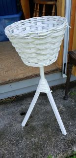 White wicker wood plant stand