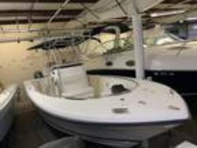 24' Pursuit 2570 Center Console 2006