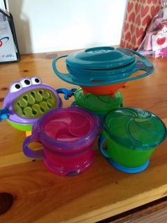 lot of 5 snack cups.