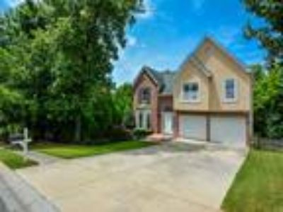 Real Estate For Sale - Four BR, 3 1/Two BA Multi lvl / bsm