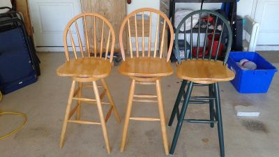 3 swivel seat with Contour back bar stool